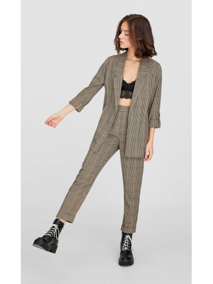 Checked carrot fit trousers Stradivarius